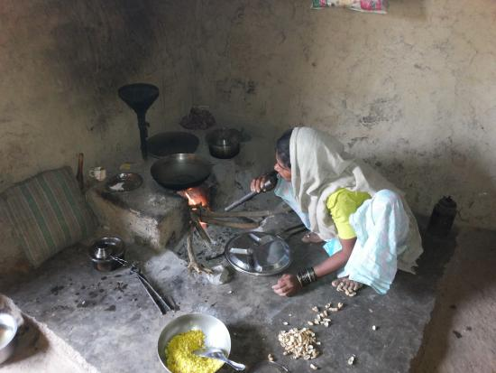Grassroutes: Farmer's wife cooking for us