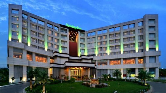 Holiday Inn Chandigarh Panchkula : Hotel Facde