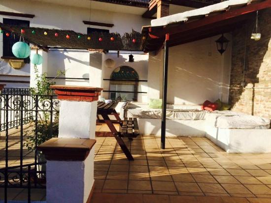 Casa Babylon Backpackers: Terrace