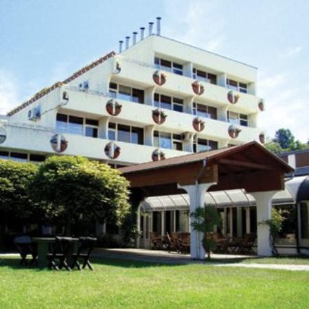 Harom Hattyu Hotel