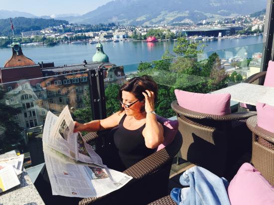 Art Deco Hotel Montana Luzern: nach dem Frühstück auf der offenen Terrasse
