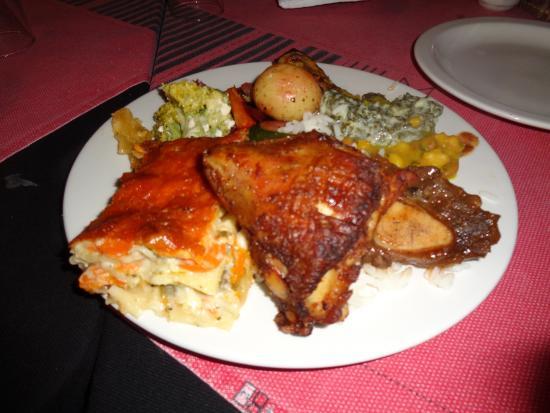 Mzansi: Delicious buffet food