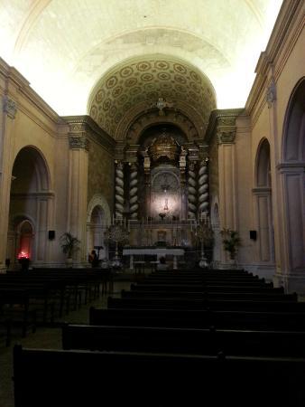 Petit Hotel Hostatgeria Sant Salvador: The interior of the church