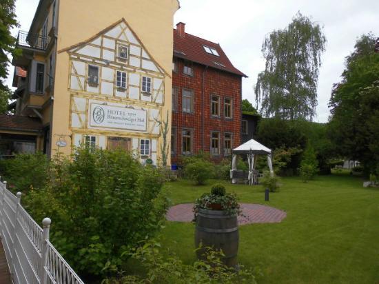 Romantikhotel Braunschweiger Hof: Blick in den Garten