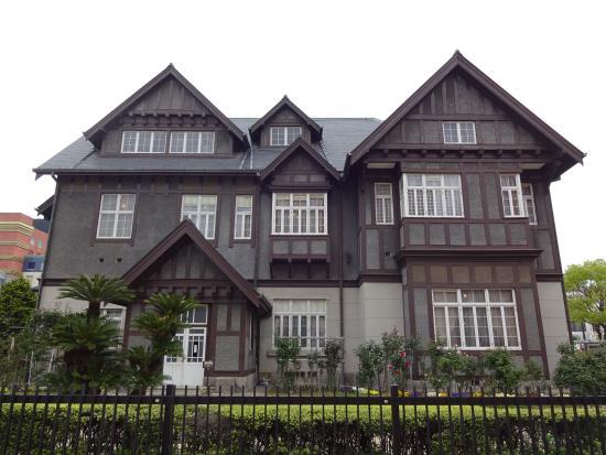 Old Mojimitsui Club: 建物の外観