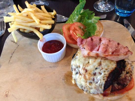Gourmet Burger with double beef (16,95 GBP)