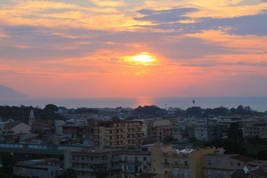 Grand Hotel Terme Parco Augusto: Panorama dalla camera al tramonto
