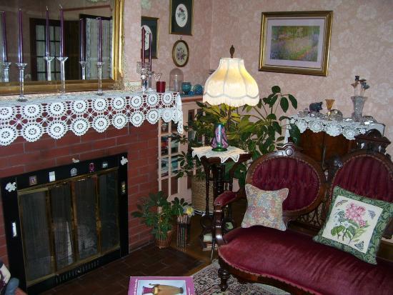 Rosewood Inn: main floor parlor