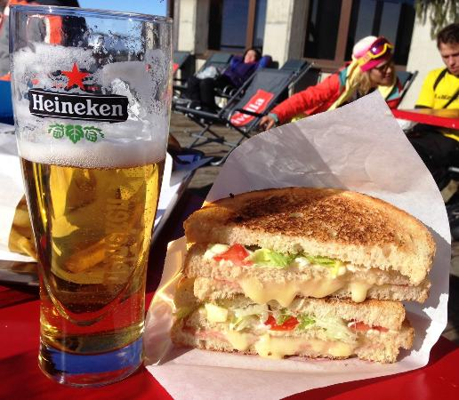 Cookie Cafe Mossettes 2277: Club Sandwich at 2277m!