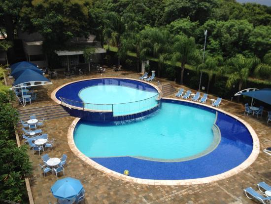 Fachada do hotel fotograf a de viale cataratas hotel foz for Cataratas para piscinas