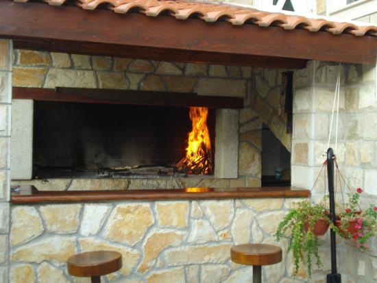 Foto de Villa Mirosa Restaurant & Pansion, Saplunara: Camino per ...