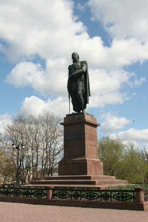 Памятник М. И. Кутузову