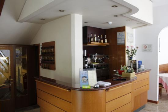 Hotel Carezza: Reception e bar