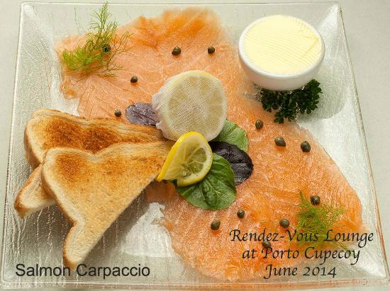 Rendezvous Lounge: Smoked salmon with toast