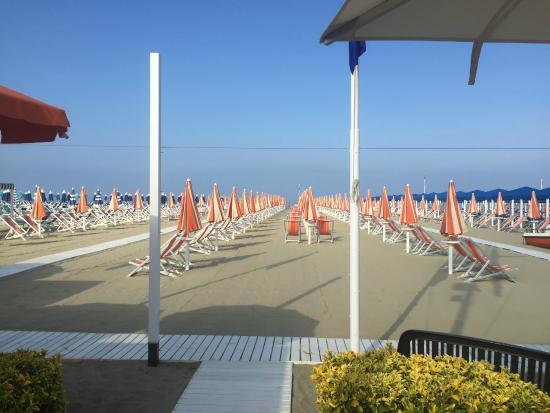 Bagno mongioia foto di hotel giulia lido di camaiore tripadvisor - Bagno lido lido di camaiore ...