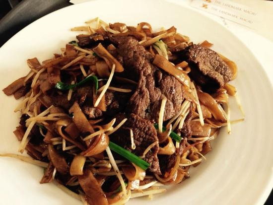 The Landmark Macau: Great Chao He Fen. (Beef Fried Rice Noodle)