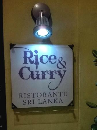 Rice and Curry: Insegna