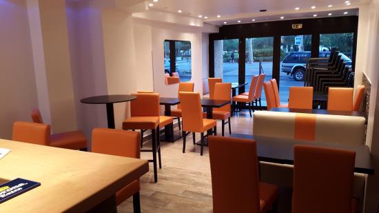Le 27 Cafe