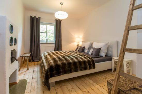 Apartements & Jagdhaus Holidaysun: ourside