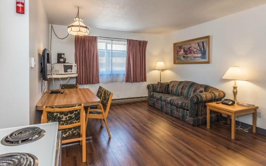 Bluebird Motel: Family Suite