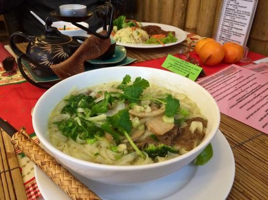 Loving Hut: Pho Hanoi Nudelsuppe