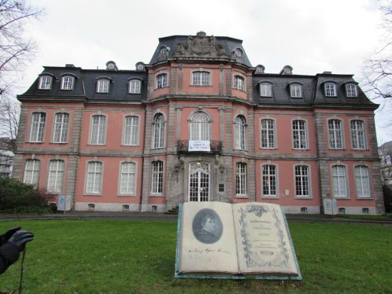 Goethe Museum Dusseldorf: Exterior Museo Goethe