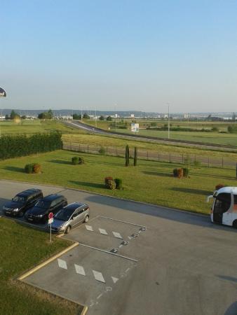Comfort Hotel Dijon Sud : view from window