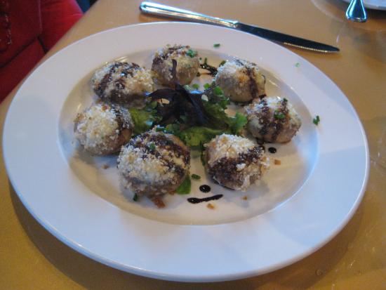 Rain Restaurant & Bar: Feta-stuffed mushrooms