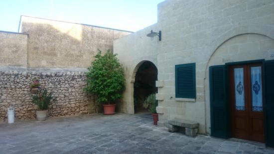 Antica Corte Lecce B&B: Corte esterno
