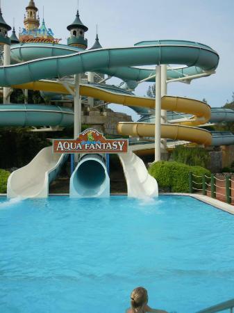 buffet en plein air - Picture of Aqua Fantasy Aquapark ...