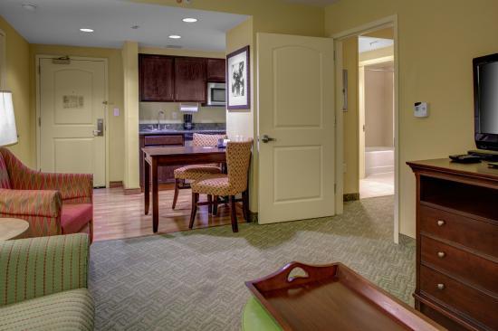 Homewood Suites West Palm Beach: King Bedroom Suite
