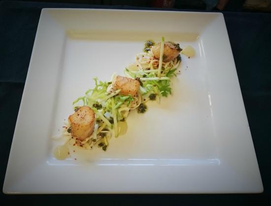 The Old Cellars Restaurant: Scallops, Apple, Celeriac Remoulade with Coriander & Sesame Oil Dressing