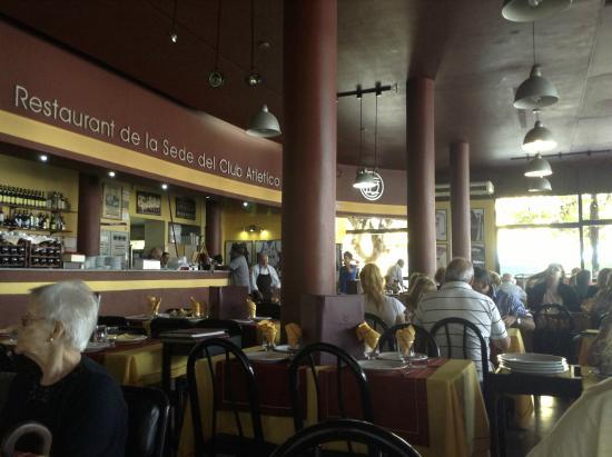 Restaurant de la sede  Club Atletico Lanus : El salón
