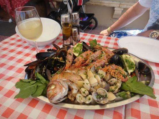 Chaplins: Fish platter - mouth watering