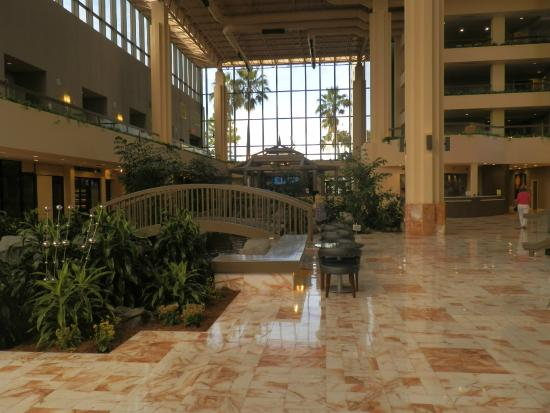 Bridge In Atrium Picture Of Embassy Suites By Hilton Palm Beach Gardens Pga Boulevard Palm