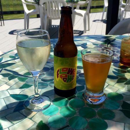 Castel Grisch Winery : enjoying a nice summer day