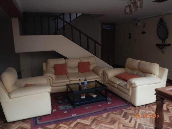 Hotel Sillustani: 2nd Floor Sitting Area