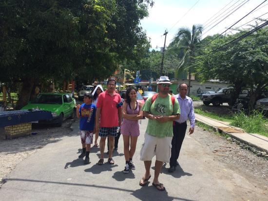Transportes Josue s.a Tours: DASHTI FAMILY