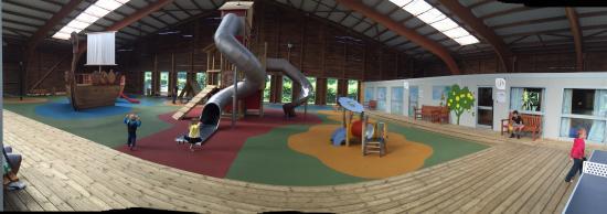 Branville, France: Espace enfant couvert