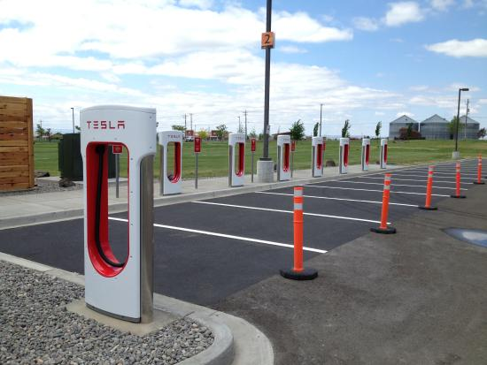 Casino at Wildhorse Resort : Tesla Charging Station