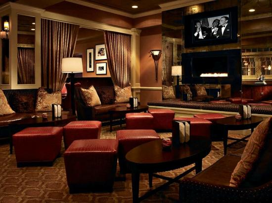 The Hotel at Auburn University: Piccolo lounge