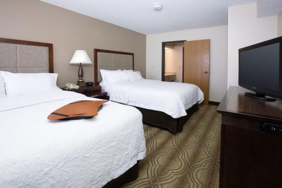Hampton Inn and Suites Ft. Wayne North: Queen suite