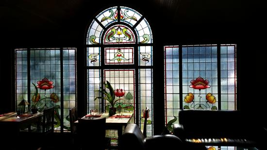 Shelburne Inn: Stained Glass Window