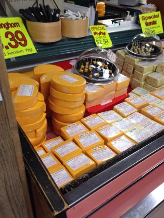 Marinette, WI: Seguin's House of Cheese