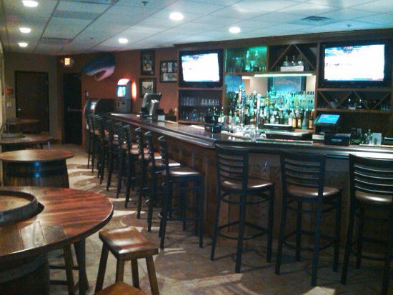 LEVEL 20 Restaurant & Banquet Hall: MAIN BAR