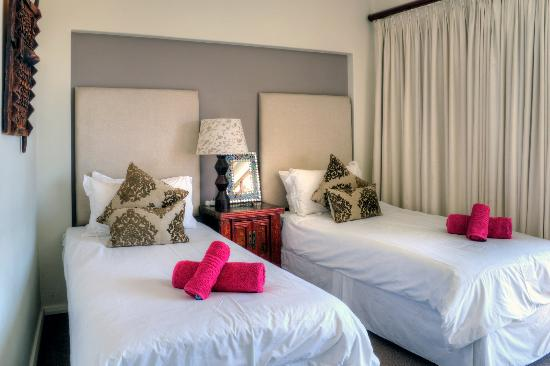 Ten on Joubert: Luxury twin room