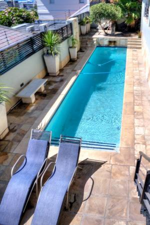 Ten on Joubert: Pool with sun loungers