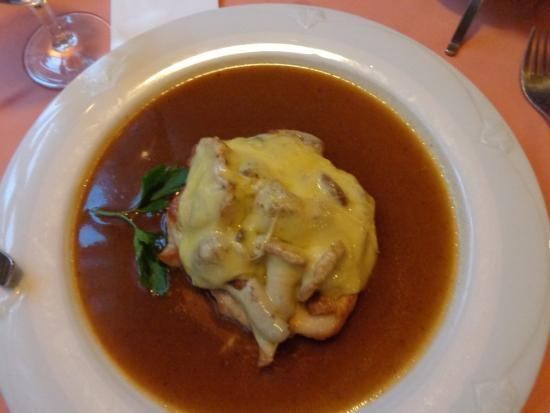 Zur Rose: pork steak with mushroom au gratin