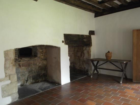 Cleeve Abbey: Restored Farmhouse Kitchen