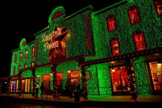 Santa's Wonderland : Welcome to Santa's Town. The magic of Christmas awaits.